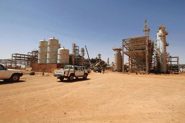 Cezayir'de gergin bekleyiş
