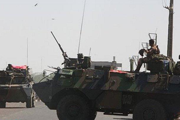 Fransa Mali'de kara harekatı başlattı