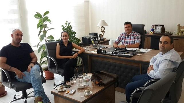 "ÜNLÜ TASARIMCI ""ÇOBAN STİLİST"" HARÜSEM'İ ZİYARET"
