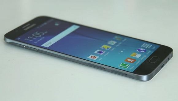 Galaxy A8 (2016), Note 7 arayüzü ile