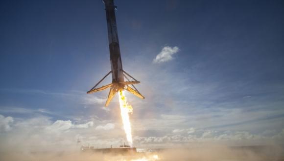 SpaceX Falcon 9un patlama sebebi belli