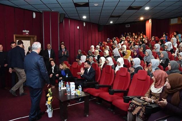 VALİ TUNA SİVEREK'TE ÖĞRENCİLERLE REİS'İ