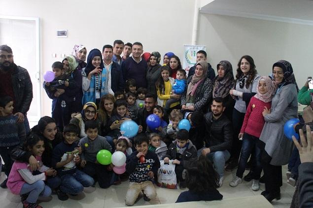 HRÜ Öğrencileri Yetim Çocukları Ziyaret Etti