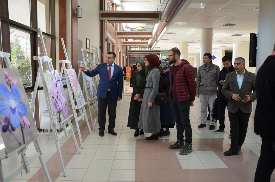 Harran Üniversitesinde Endemik Bitkileri Fotoğraf Sergisi Açıldı
