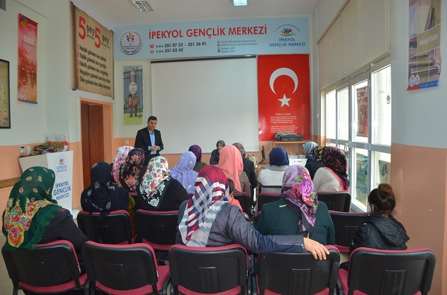 İPEKYOL GM' DE MEVKİ VE MAKAM HIRSI SEMİNERİ