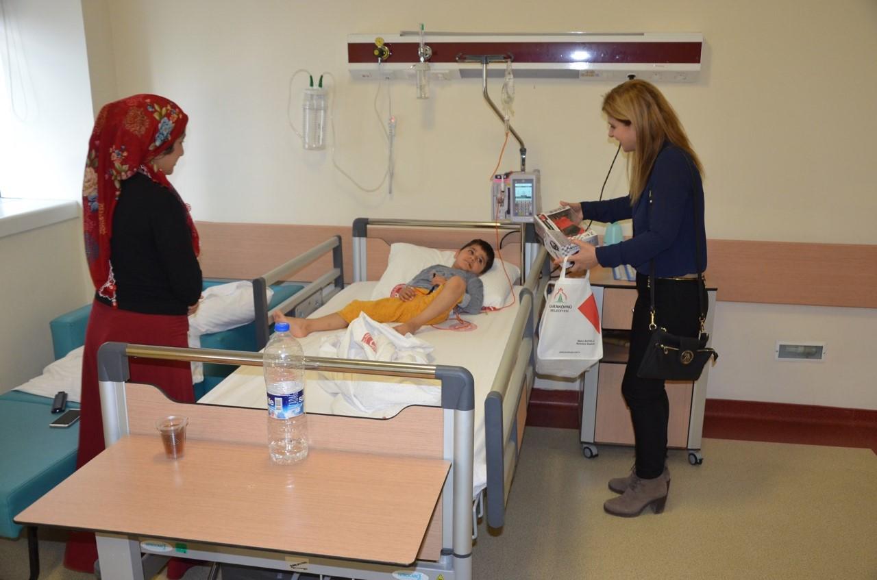 Eğitim Fakültesinden Hastanede Yatan Çocuklara Moral Etkinliği