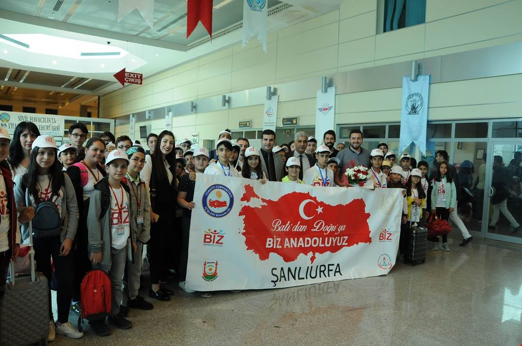 İSTANBUL'DAN GELEN ÖĞRENCİLER ŞANLIURFA'YA HAYRAN KALDILAR