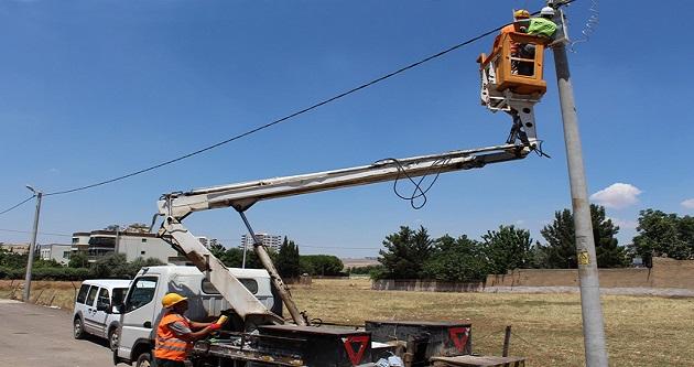 Dicle Elektrik, Şanlıurfa Ulubağ'da 25 Yıllık Şebekeyi Yeniledi