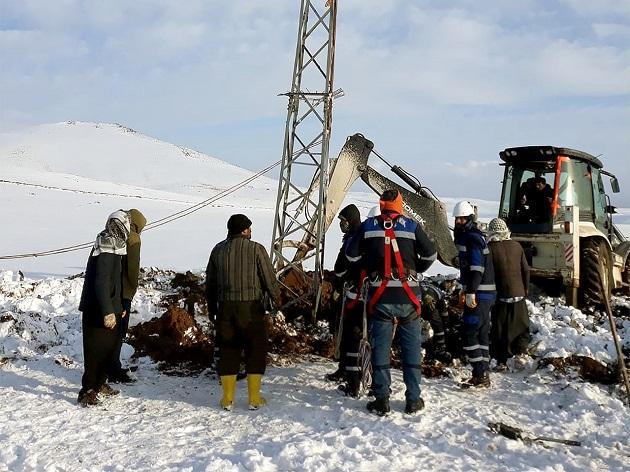 Dicle Elektrik'ten Siverek'te Kış Mesaisi