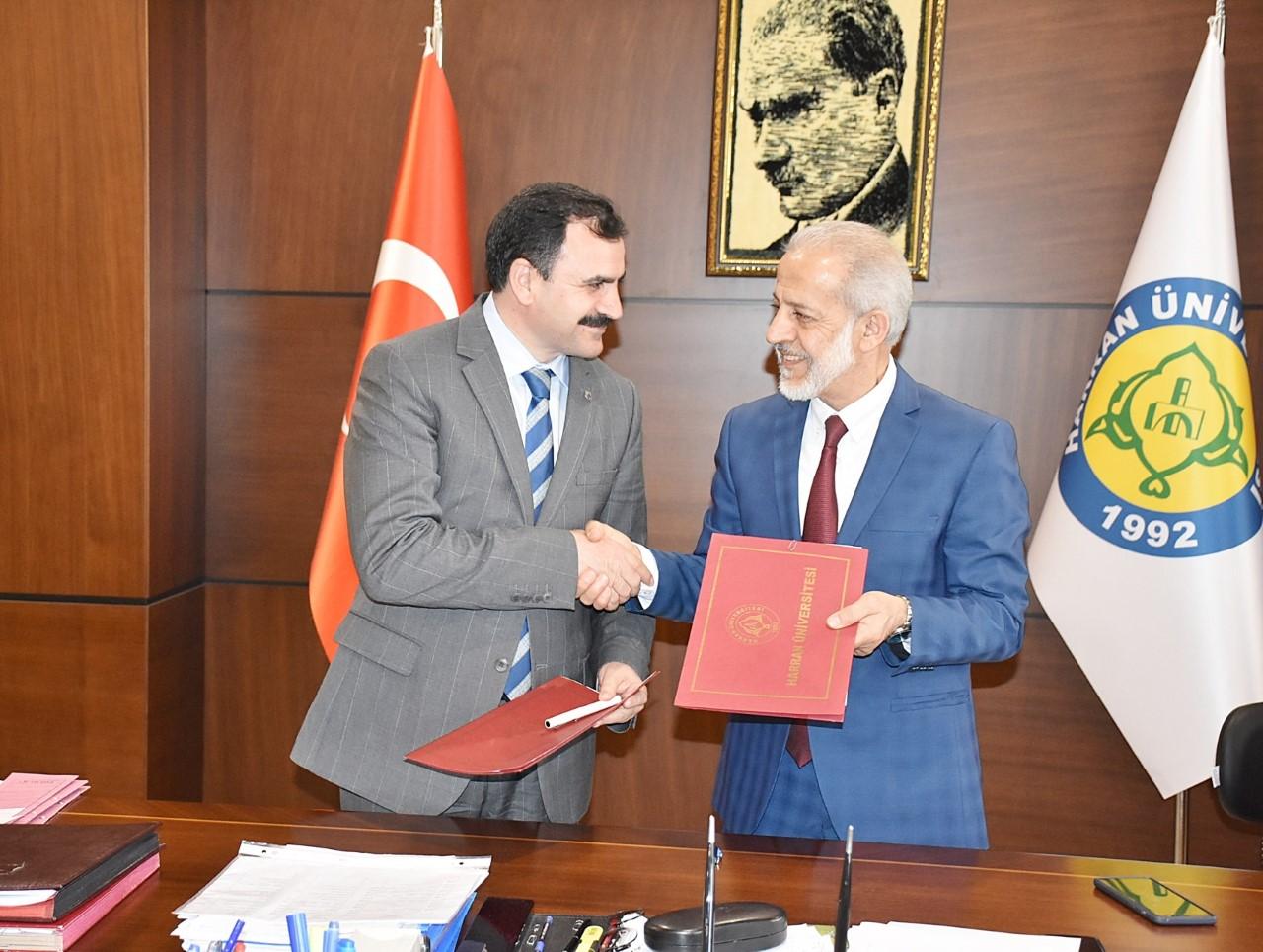 Harran Üniversitesi ile Şanlıurfa İl Milli Eğitim Müdürlüğü Arasında İmzalar