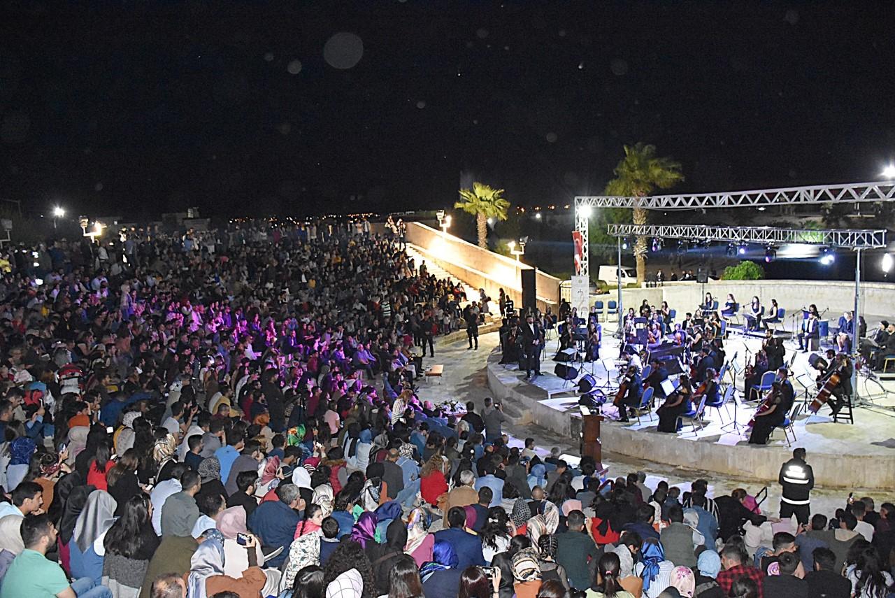 Harran Üniversitesi Gençlik Orkestrası'ndan Tarihi Konser