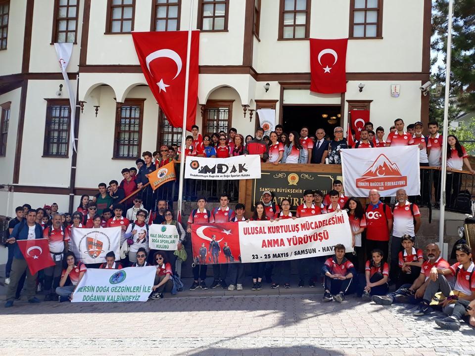 Dağcılar 19 Mayıs'ın 100. Yılı Nedeniyle Samsun'daki Ulusal Yürüyüşe Katıldılar.