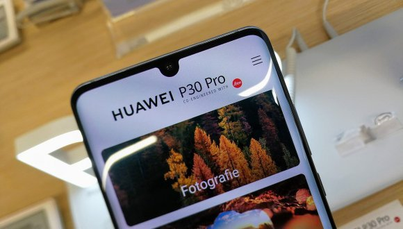 HongMeng OS yüklü 1 milyon Huawei telefon
