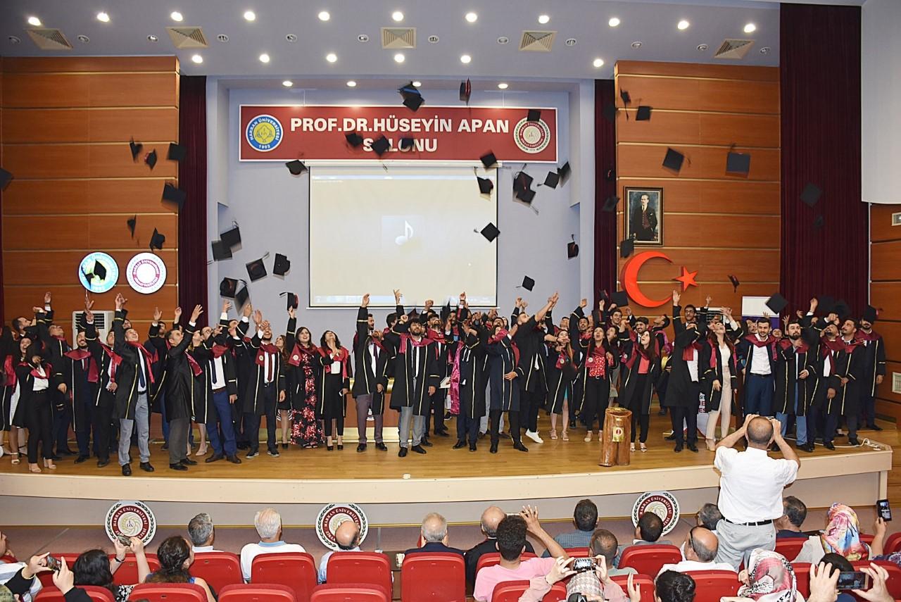 HRÜ Veteriner Fakültesi'nde Mesleki Yemin Töreni Yapıldı
