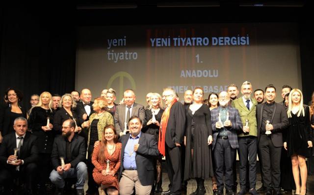 Şehir Tiyatrosundan Ödül Üstüne Ödül