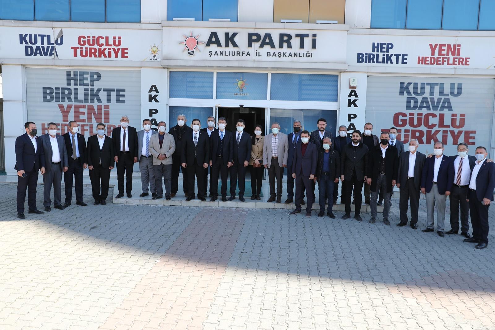 """CANPOLAT'TAN AK PARTİ TEŞKİLATINA """"HAYIRLI OLSUN"""" ZİYARETİ"""