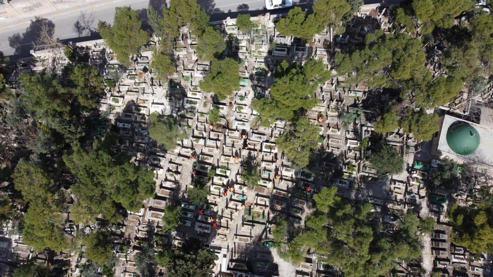 Mezarlıklarda Ramazan Öncesi Temizlik Ve Bakım Çalışmaları Gerçekleştirildi
