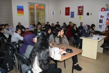 KPSS'YE GİRECEK OLAN ENGELLİ VATANDAŞLARA BÜYÜKŞEHİR'DEN EĞİTİM