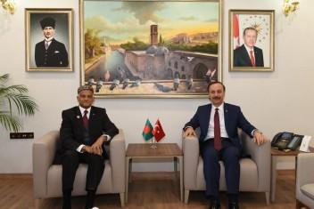 Bangladeş Ankara Büyükelçisi Mannan, Şanlıurfa Valiliği'ni Ziyaret